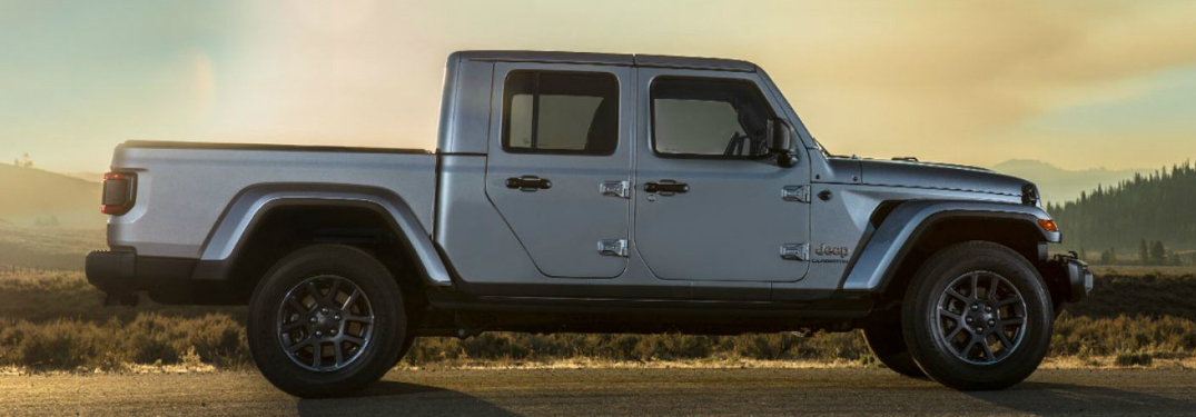 side-view-of-silver-2020-jeep-gladiator_o-jpg.5405